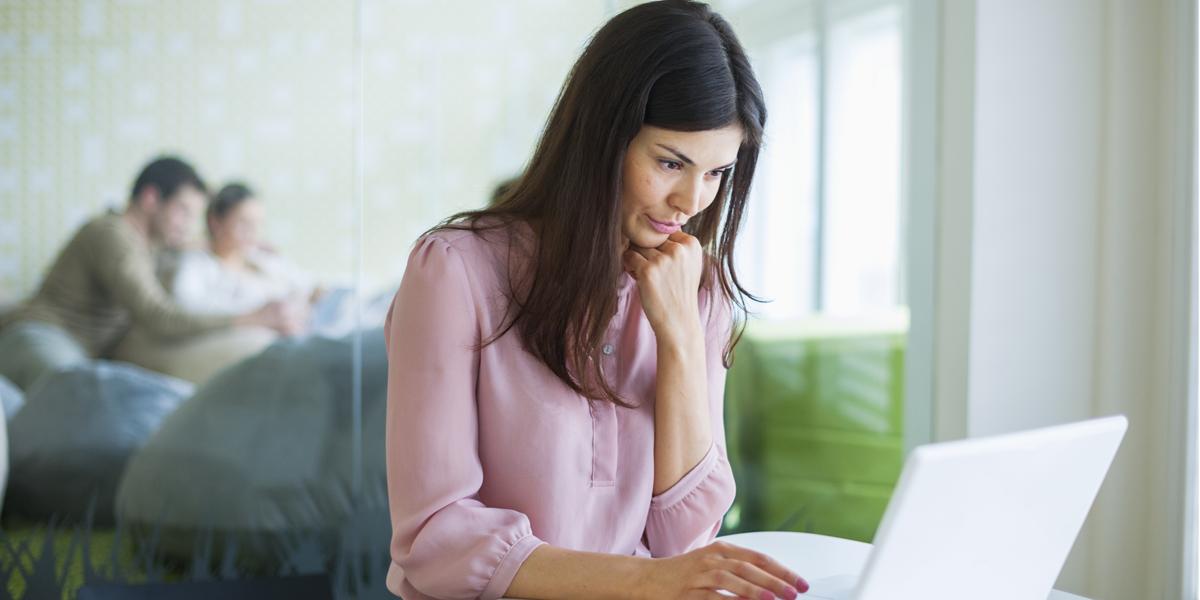 Aprende a contrarrestar los efectos de 8 horas sentado en la oficina