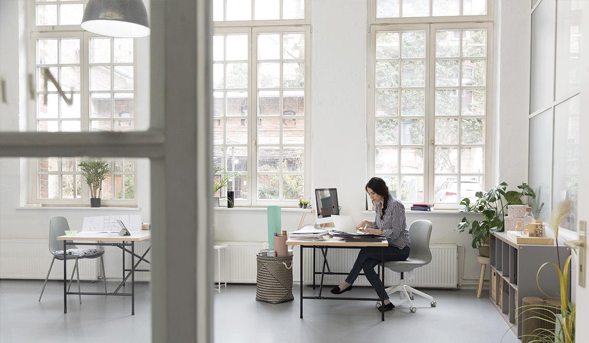 Consejos para mejorar la circulación de las piernas en la oficina