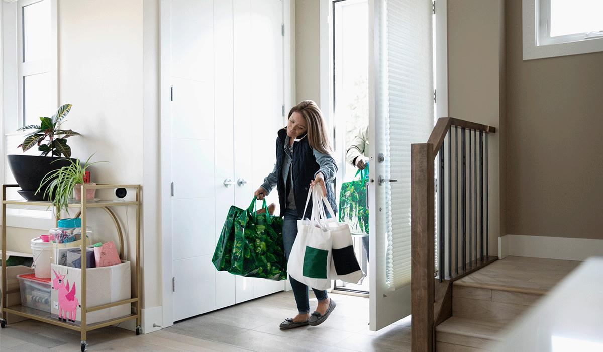 Llegan las compras de Navidad. Consejos para cuidar las varices los días de compra